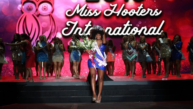 South Florida woman wins annual Miss Hooters International Pageant