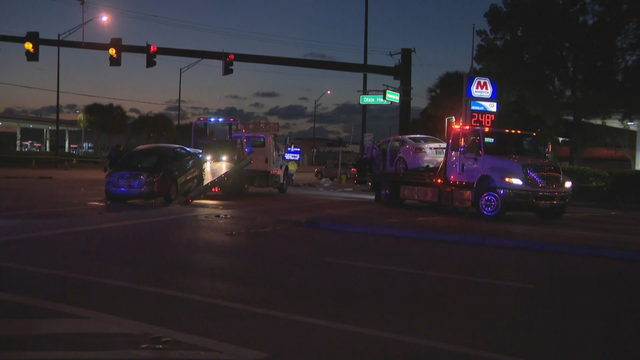 1 dead after 3-vehicle crash in Oakland Park