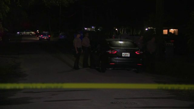 Police investigate shooting in Gladeview neighborhood