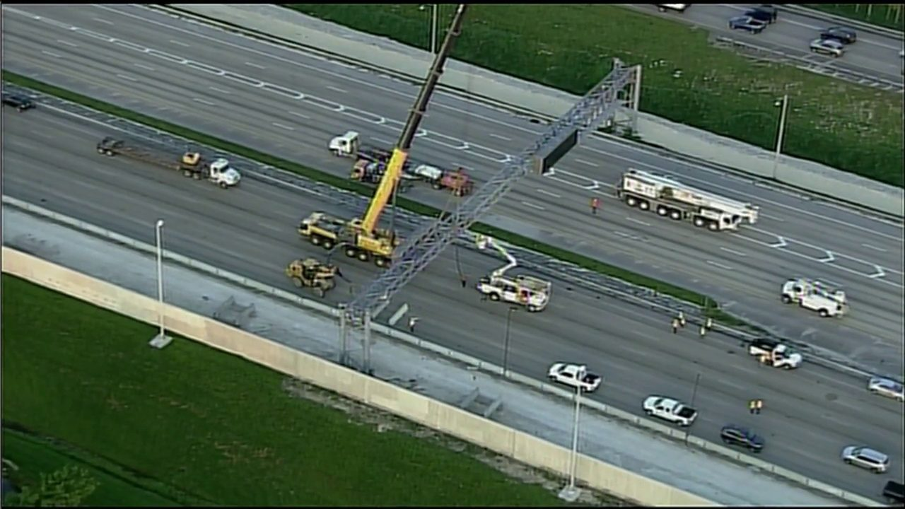 Overhead sign removal prompts emergency closure of Florida's