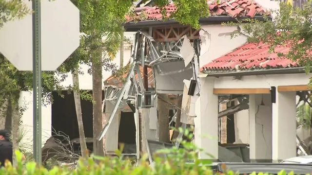More than 20 businesses damaged in Plantation shopping plaza explosion