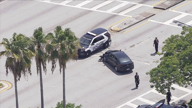 Officer-involved crash shuts down North Miami Beach intersection