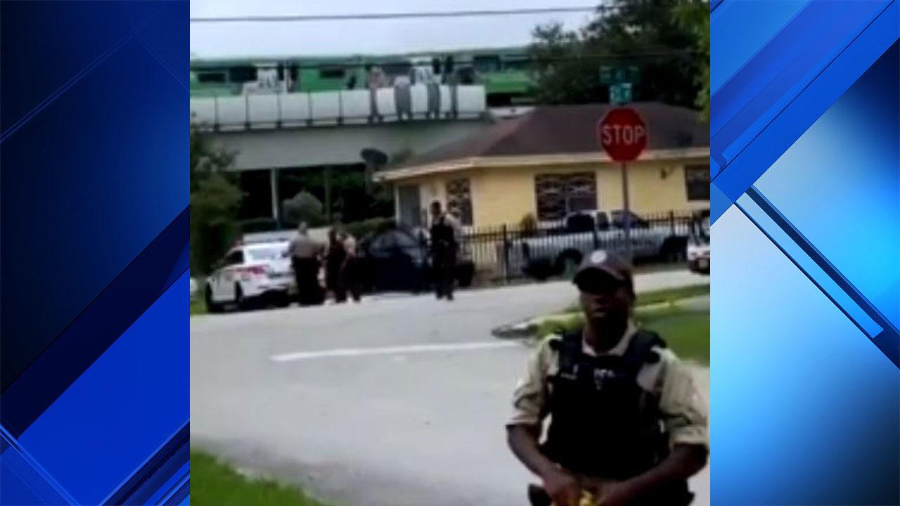 Metrorail en route to Miami International Airport derails in Allapattah