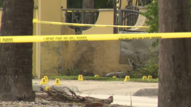 Driver crashes into mansion's wall on Miller Drive in Miami-Dade