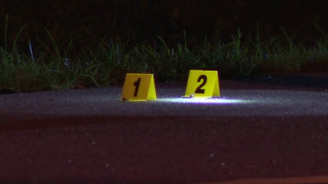 Shooting during street party leaves 2 injured in Dania Beach