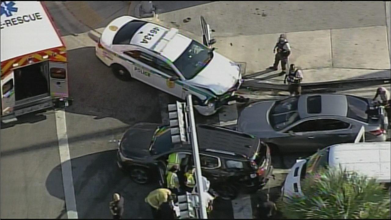 7 injured in Miami-Dade police-involved crash