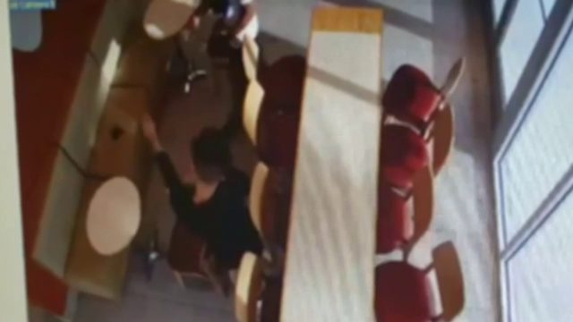Thieves swipe wallet from smoothie shop