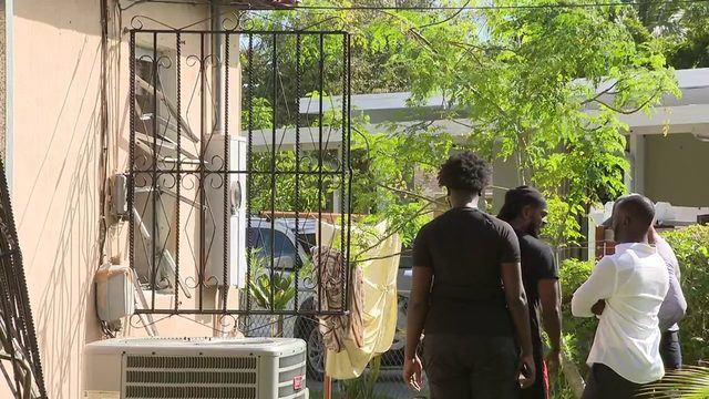 Miami-Dade firefighters rescue 4 residents from burning home