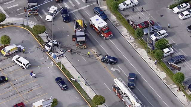 1 killed, 3 seriously injured in head-on collision in Hialeah