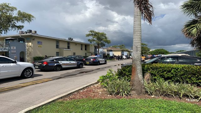 Man fatally shot at apartment building in Lauderhill