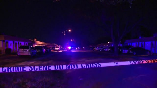 2 people hospitalized after Lauderhill shooting, police say