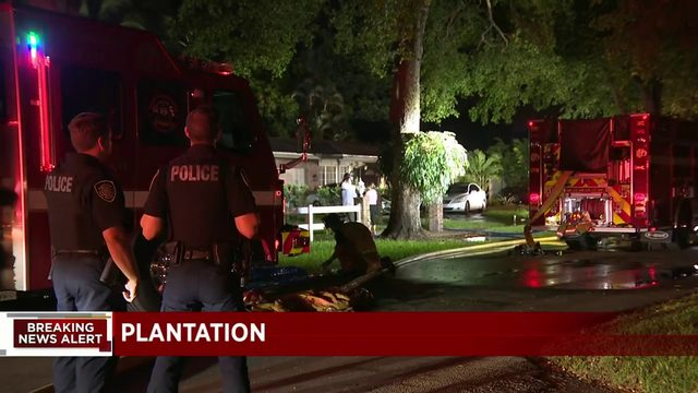 Family escapes Plantation house fire