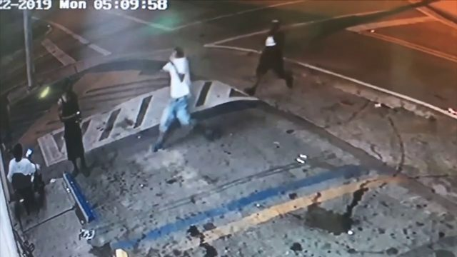 2 men sought in fatal shooting of homeless man outside grocery store