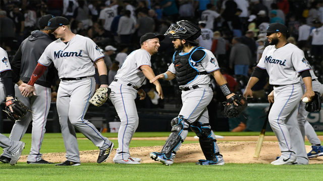 Smith leads Marlins past White Sox 5-1