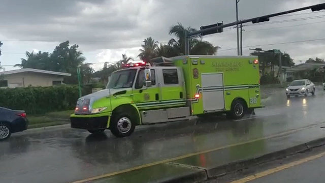 Lightning strike leaves 1 injured in Ives Estates area