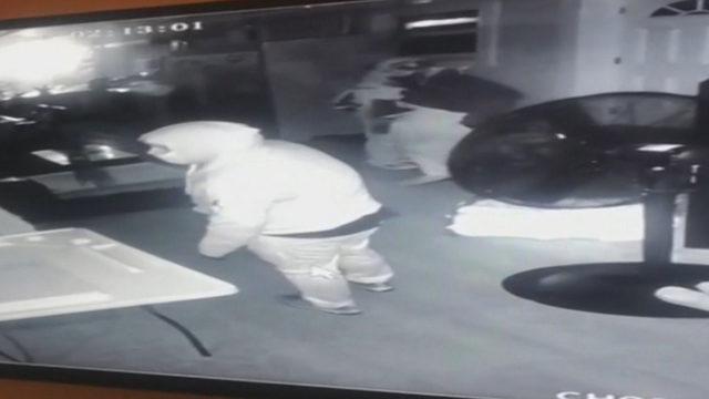 Cameras catch men targeting Miami-Dade home