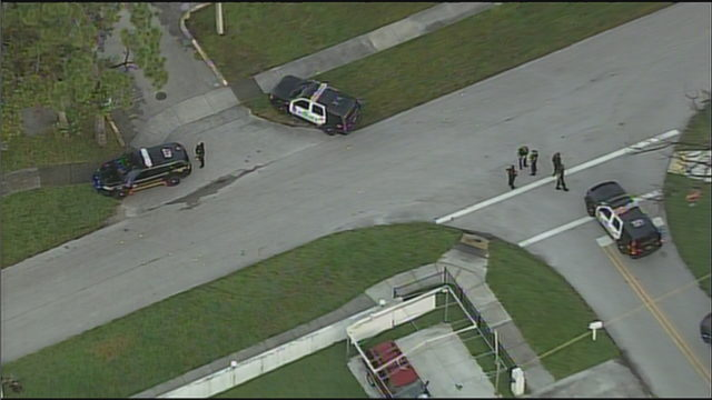 Woman drives to hospital after gang-related shooting in Miami Gardens