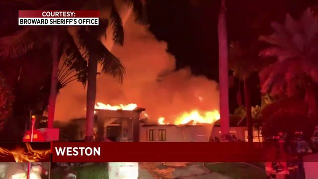 Deputies investigate house fire in Weston