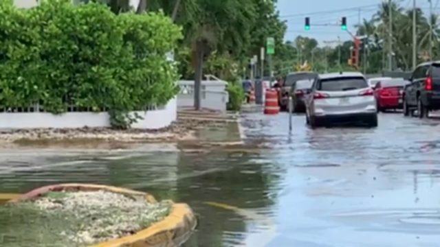 Parts of Miami Beach experience flooding due to high tide
