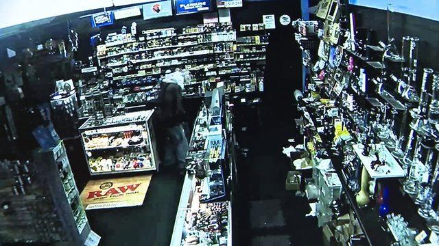 Burglar breaks into Palmetto Bay tobacco shop, taking cash, merchandise