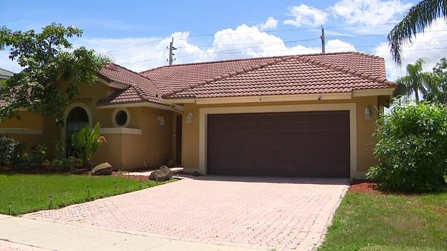 Plantation family scammed by man posing as homeowner