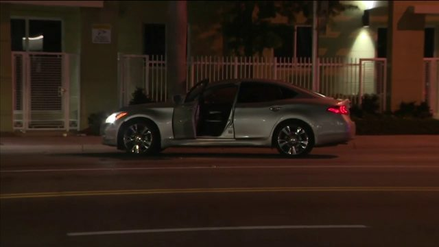 Wounded man drives away after shooting in Miami