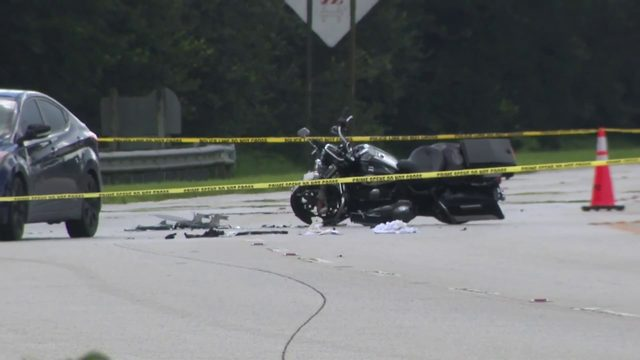 Officer injured in Pembroke Pines crash