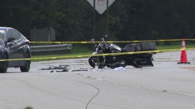 Officer injured in Pembroke Pines crash