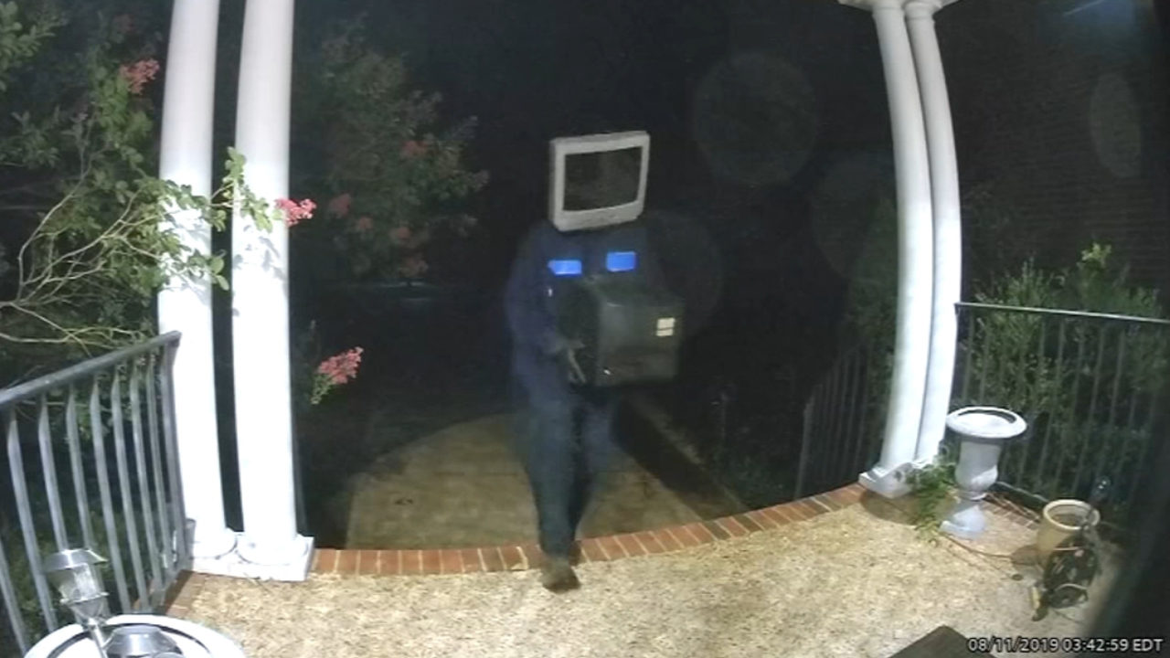 Guy With Tv On Head Leaves Old Tvs On Front Porches Of Homes