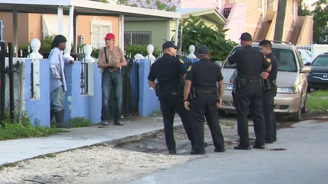 Man dragged out of car during armed carjacking in Miami