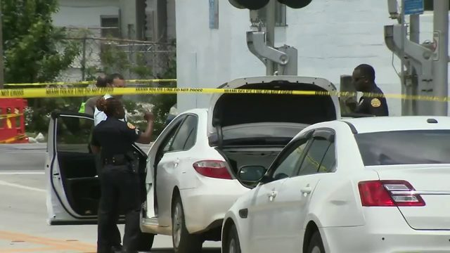 1 injured during shootout in Miami, police say