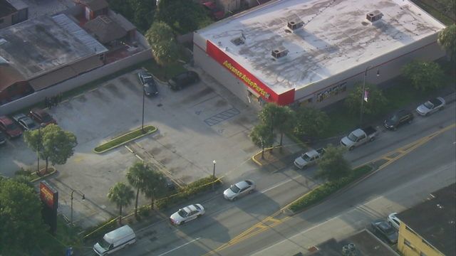 Body found in car in parking lot of Advance Auto Parts in Hialeah