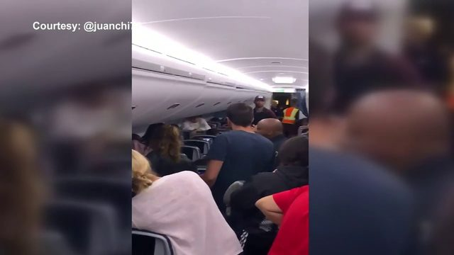 Frustrated passengers stuck on tarmac on Delta flight bound for Miami