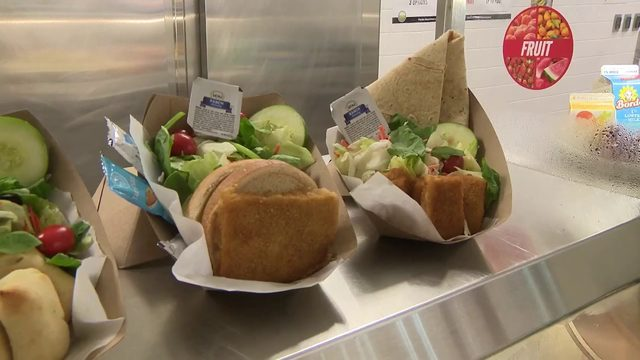 School cafeterias prepare for back-to-school day in Miami-Dade