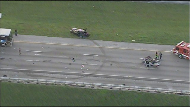 1 dead in rollover crash on Sawgrass Expressway