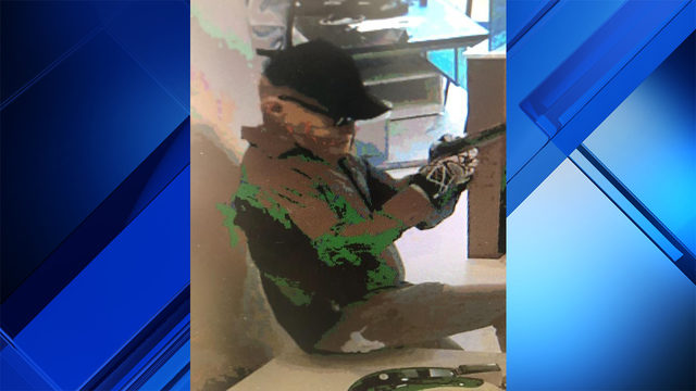 Armed robber targets Ocean Bank branch in west Miami-Dade, FBI says