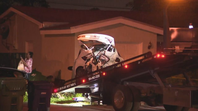 Crash damages several parked cars in Miramar