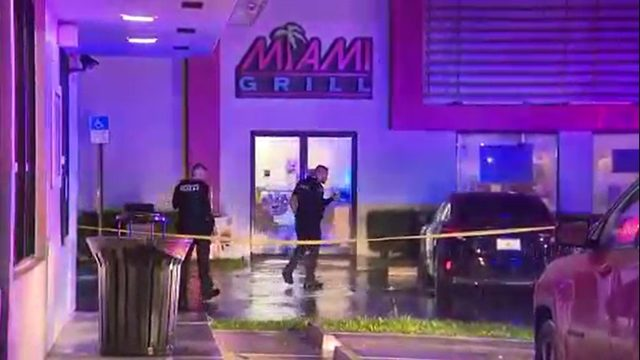 Police investigate shooting of man at Miami Grill
