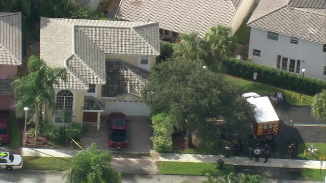 Raw video: Sky 10 flies over Coconut Creek crime scene (No Audio)