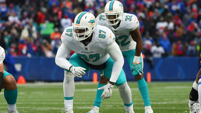 Report: Dolphins trade Laremy Tunsil, Kenny Stills to Texans for draft picks