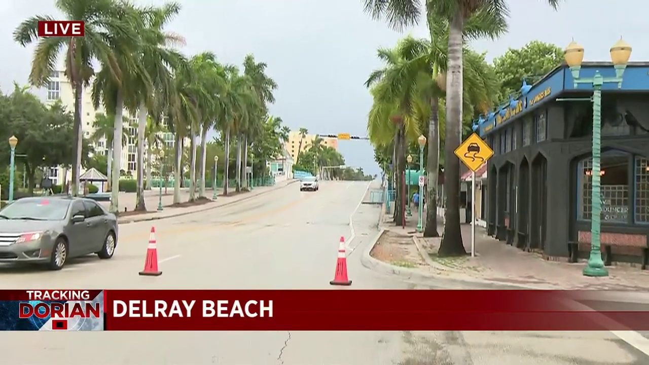 Police stationed at checkpoints amid evacuations in Palm