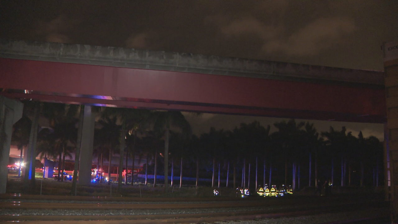 2 killed when car falls from I-95 overpass in Fort Lauderdale