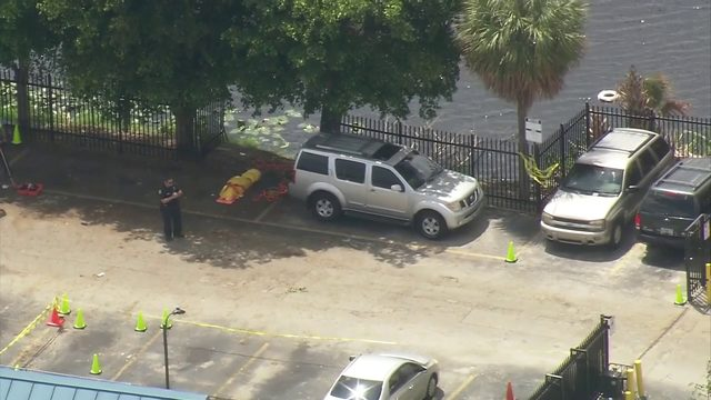 Body of female pulled from vehicle in Hialeah lake