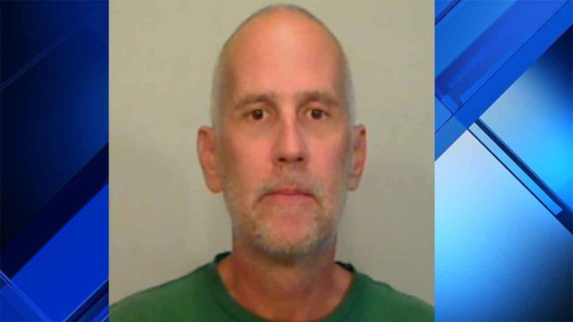 Keys man strips naked, attacks women he met at bar, deputies say