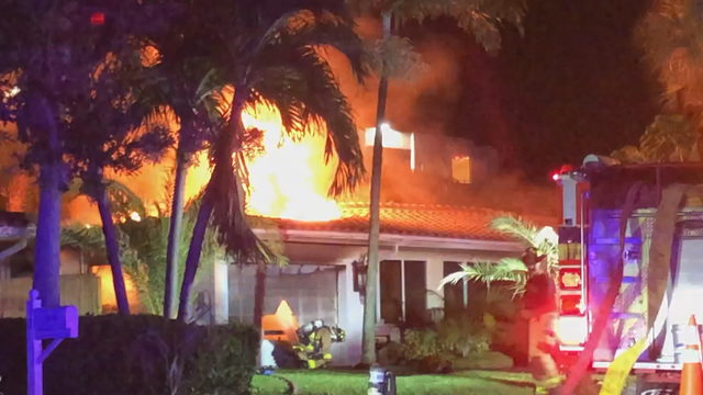5 people hospitalized, including 3 firefighters, in…