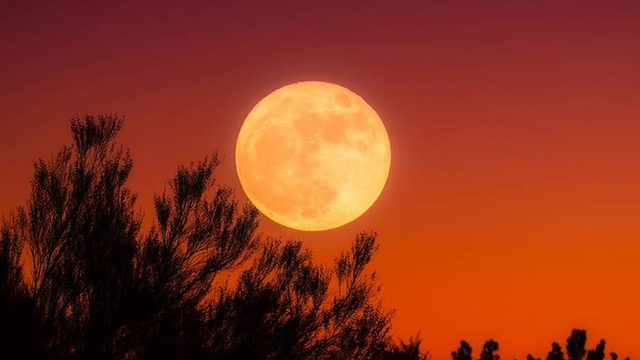 Rare full moon on Friday the 13th