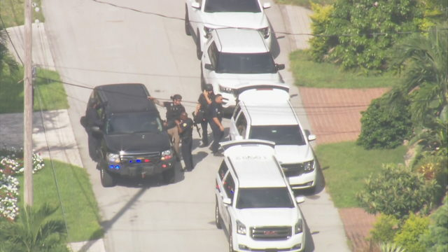 SWAT team called to Fort Lauderdale neighborhood for possible barricaded subject