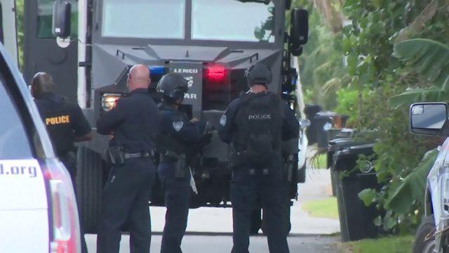 SWAT team in Fort Lauderdale neighborhood after shooting