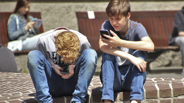 Teens on social media more likely to develop mental health problems, study shows