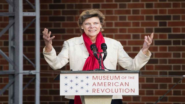 ABC News journalist Cokie Roberts dead at 75